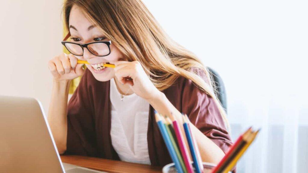 estres laboral, estres laboral sintomas, como solucionar el estres laboral, problemas en el trabajo,