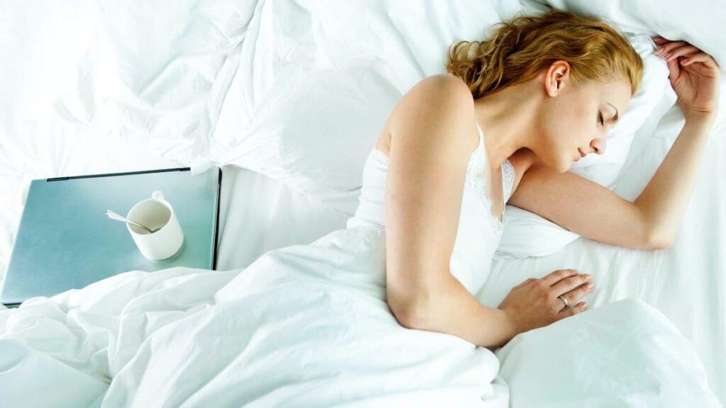 Dormir bien toda la noche es mucho más importante de lo que puedas imaginar. Lee este artículo porque vas a descubrir cuál es la importancia del sueño.